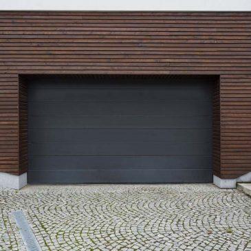 Instalación motor en puerta garaje basculante